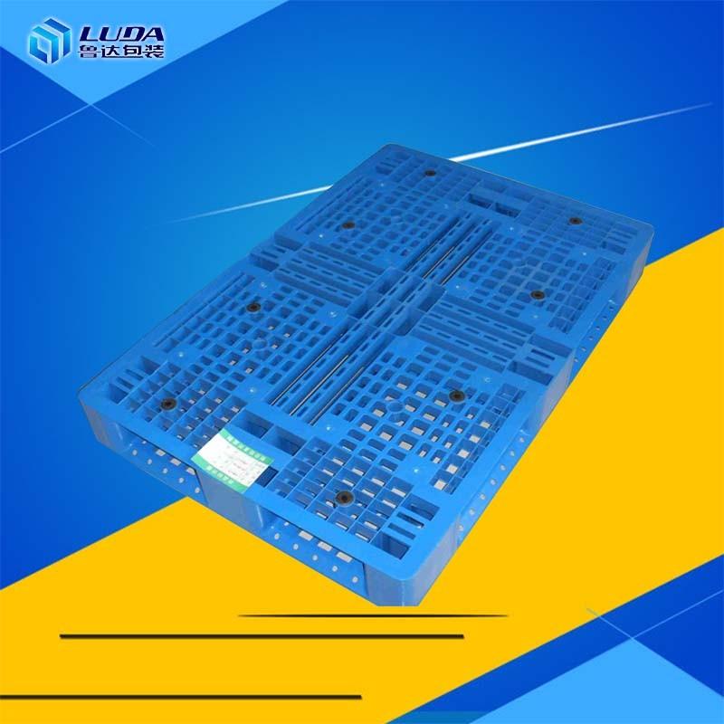 托盘生产材料的选择是造成价格高的关键因素
